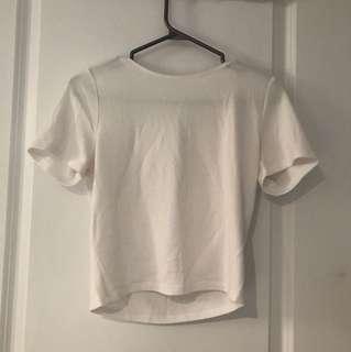 Aritzia Wilfred White Cropped Tshirt