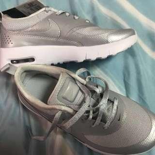 BN Authentic Nike Airmax Thea