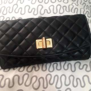 [CHARLES&KEITH] Black Wallet