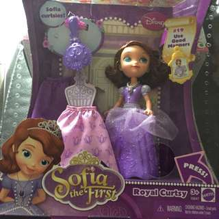 BNIB Disney Sofia The First Dress Up Doll