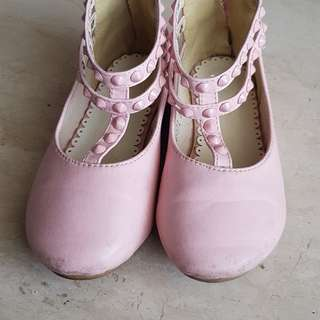 Treehouse pink shoes (fixed price)