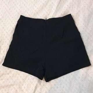 🚚 黑色百搭短褲/m號/拉鍊式/隱藏口袋