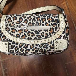Guess sling / clutch bag