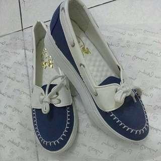 ✨全新  降價 深藍鬆糕鞋👟