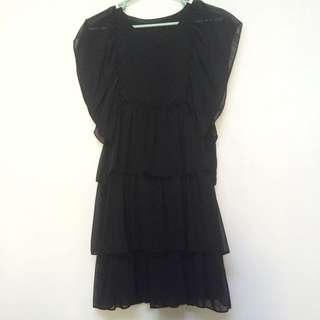 All size black dress