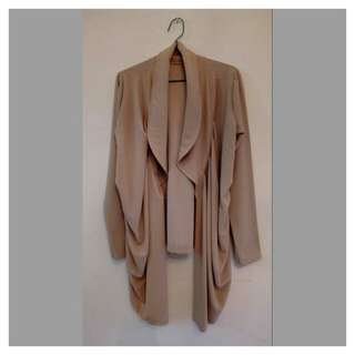 Drapery outer