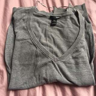 H&M grey v neck sweater 灰色V領冷衫
