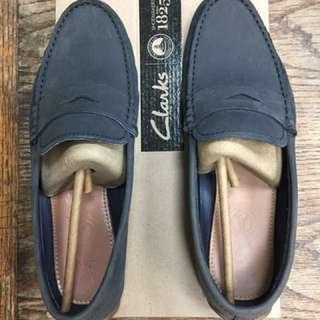 🚚 Clarks 麂皮樂福鞋 UK8