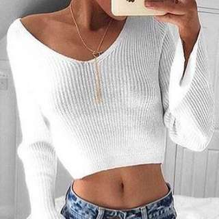 V Neck Long-Sleeved Crop Top