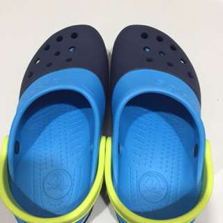 blue and dark blue crocs !!!