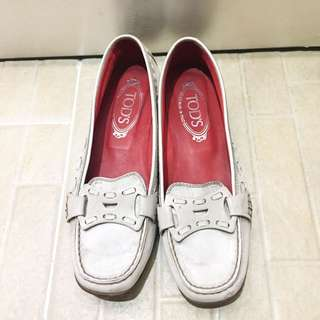 Tods white flat shoes
