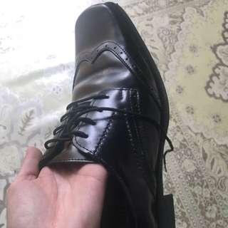 Mens black shoes