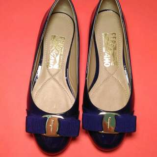 AUTHENTIC SALVATORE FERRAGAMO SIZE 4