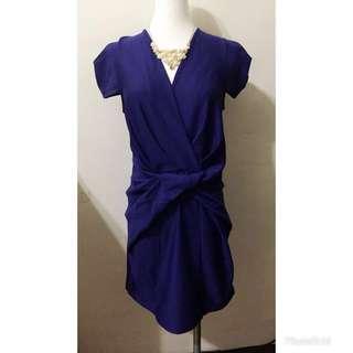 寶藍色V領扭結洋裝