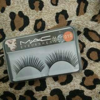 MAC fake eyelashes