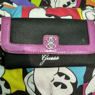 Dompet ' Guess'