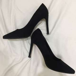 """Forever 21 black suede pumps (4"""" high) never been used"""