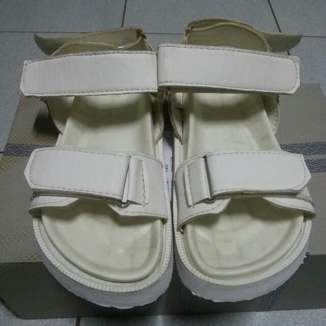 魔鬼氈白色涼鞋 #好物任你換