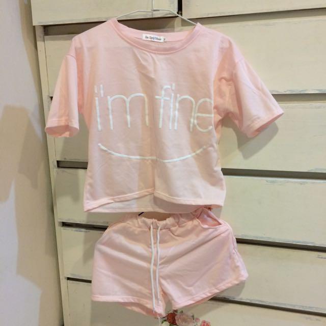 全新 粉色短板上衣+短褲