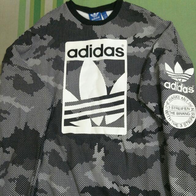 Adidas 迷彩大學T