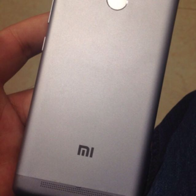 Android phone redmi 3S 32gb storage 3gb ram chatr mind condition