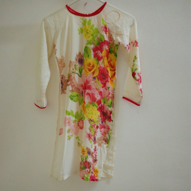 Beautiful Floral Ao Dai Girls