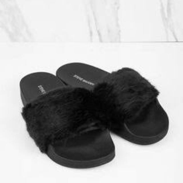 8ff5a5605ba Black fluffy slides (size 8)