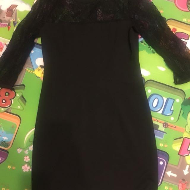 Black lace dress best fits size 10