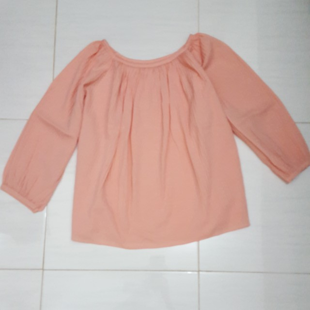 Blouse peach plisket fit L