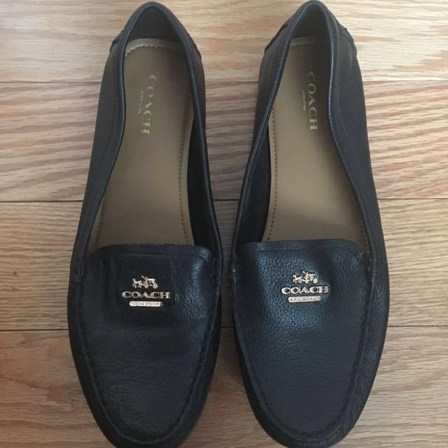 Brand new condition Coach pebble skin loafers size 8 women