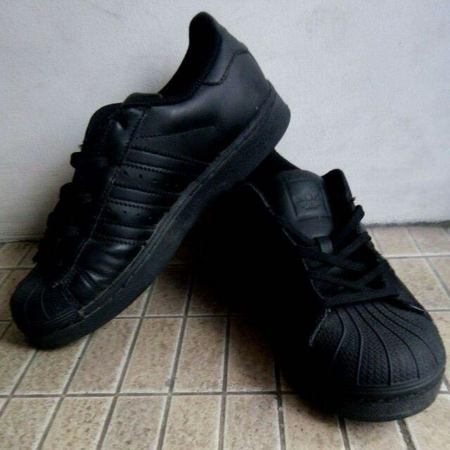Brandnew Adidas Superstar (Black)