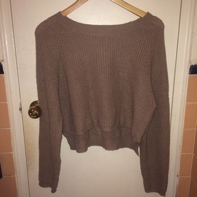 Brown cropped knit sweater