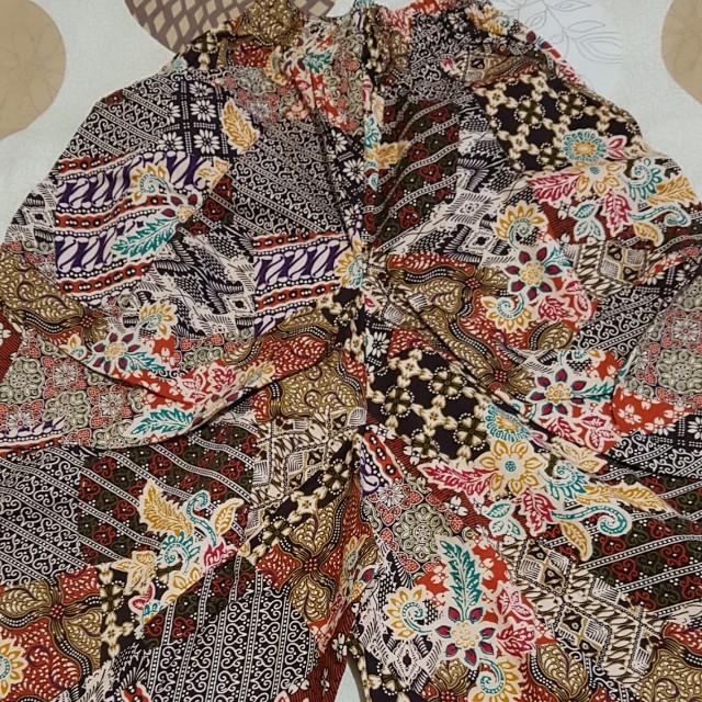 celana batik kerut