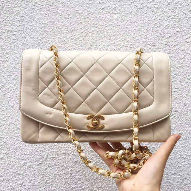 正品Chanel香奈兒戴妃包菱格紋米白金鍊 95新 中尺寸