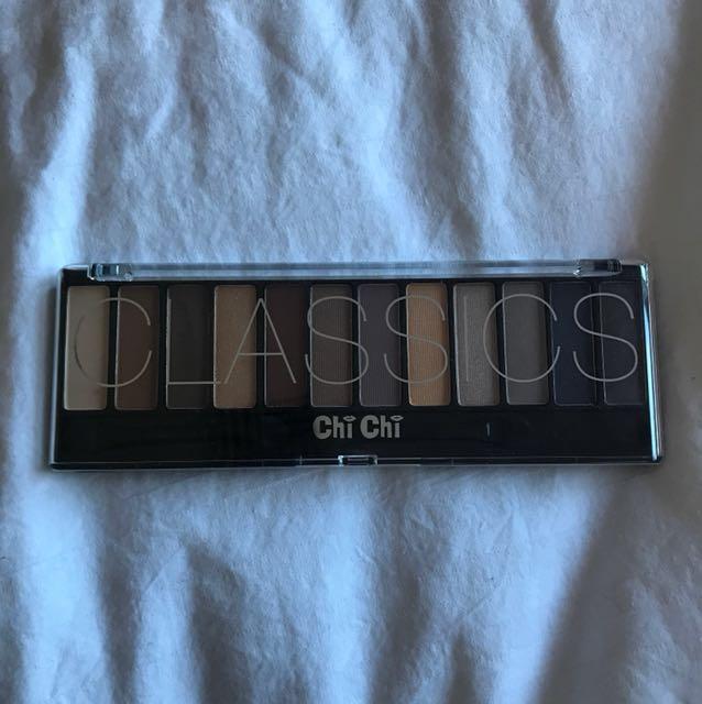 Chi Chi Classics Eyeshadow Palette