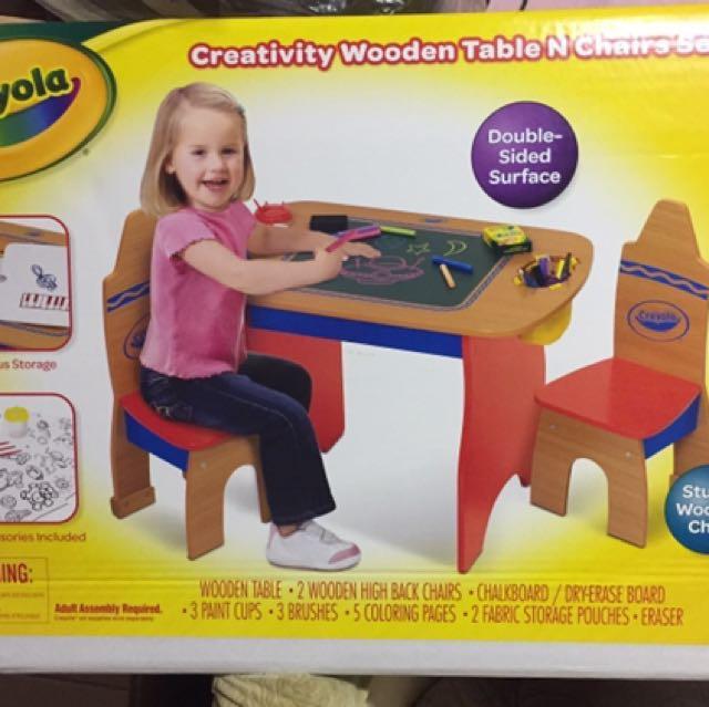 Crayola 木製創意活動桌椅套裝