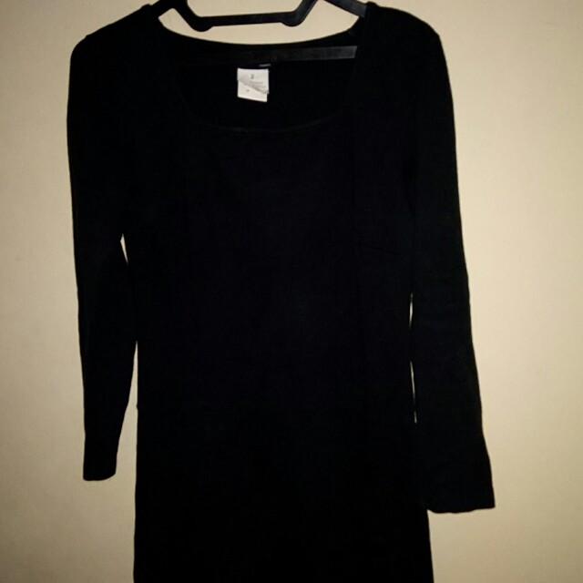 Dress hitam bahan kaos