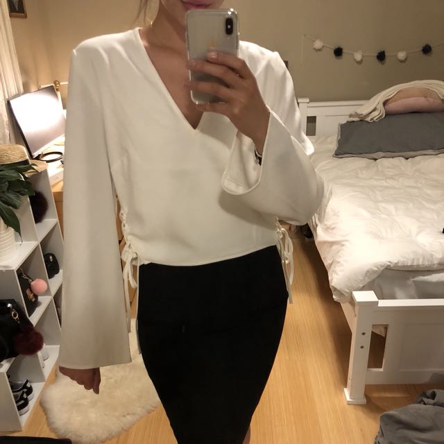 Finders Keepers White Bell Sleeve Top Size M