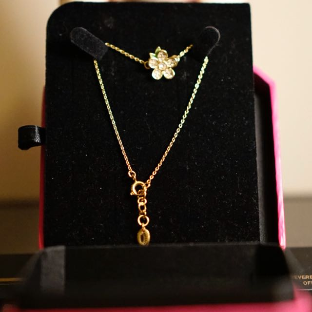 Flower bracelet from juicy couture