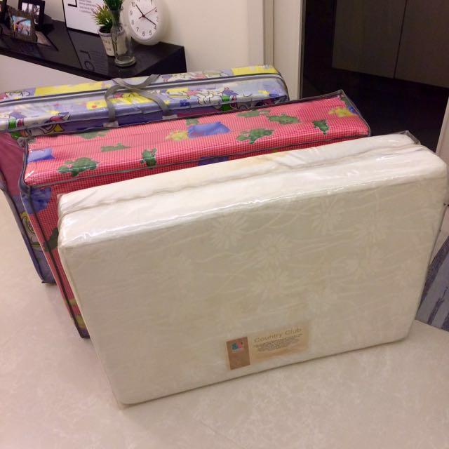 Foldable single bed mattresses x 3