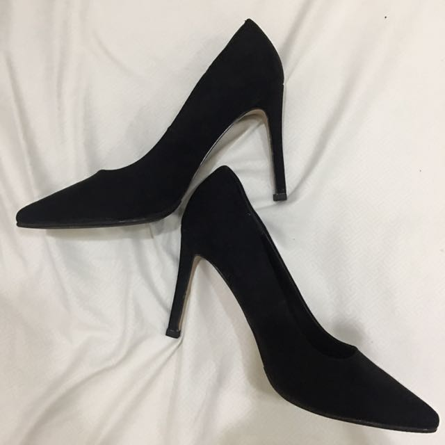 "Forever 21 black suede pumps (4"" high) never been used"