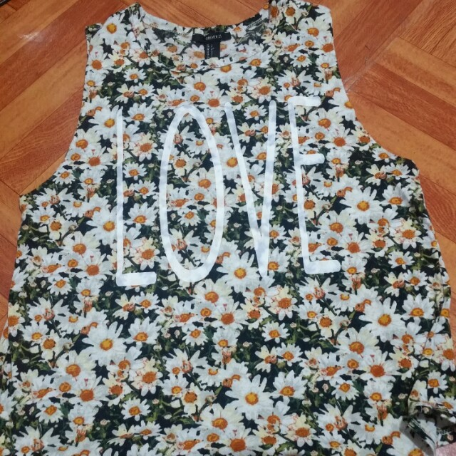 Forever 21 floral Love top