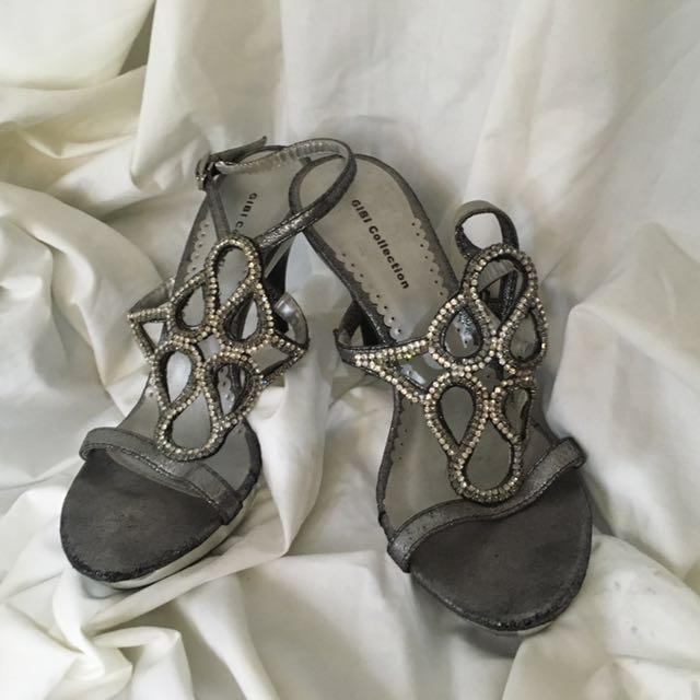 Gibi heels
