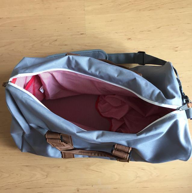 2d07e09b44e Herschel Supply Co. Novel Duffel Bag Grey Tan 42.5L