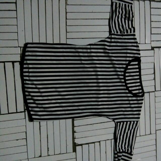 Kaos garis zebra lengan 1/4