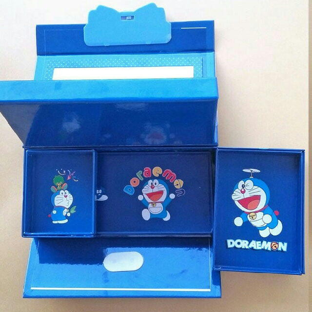 Download 86 Gambar Doraemon Pakai Pensil HD Terbaik