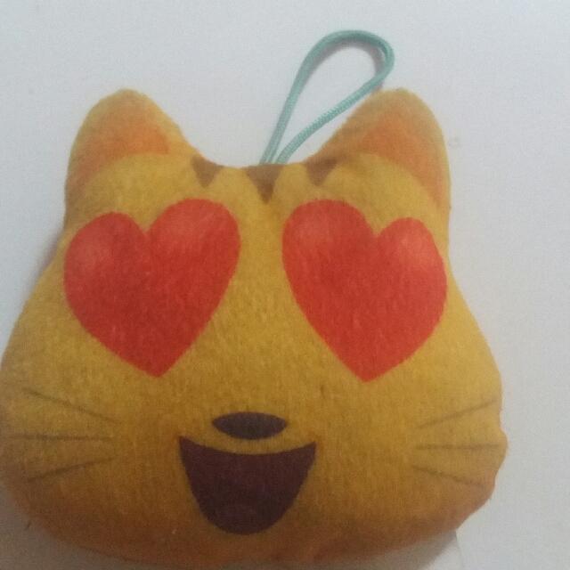 Mainan Mc D emoji