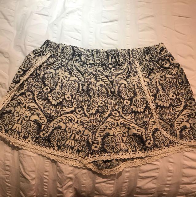 Medicino Shorts