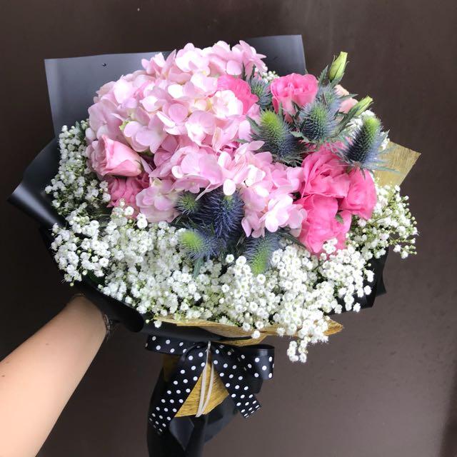 Pink hydrangea pink Eustoma eryngium Baby Breath Hand Bouquet