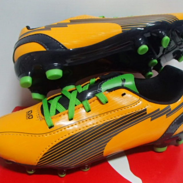 size 5 youth football cleats
